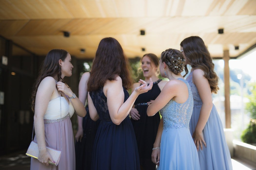 The girls at the prom   Source: Unsplash