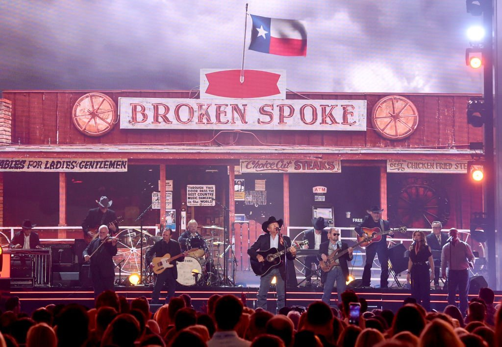 """George Strait performing """"Every Little Honky Tonk Bar"""" at the 2019 Academy Country Music Awards 