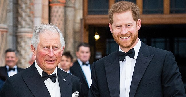 Le prince Charles et son fils Harry. | Photo : Getty Images