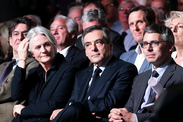 François Fillon, et son épouse Penelope au Parc des Expositions Porte de Versailles à Paris. | Photo : GettyImage