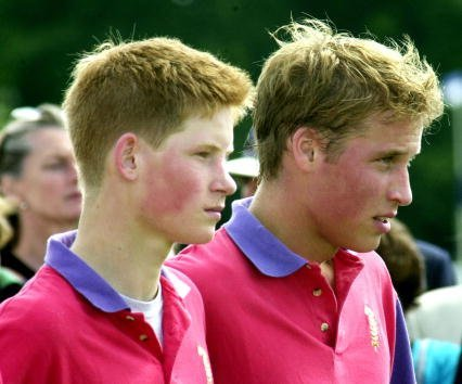 Prince Harry (L) and Prince William take part in an exhibition polo match July 15, 2001, at Cirencester Park Polo Club in Gloucestershire, England. | Source: Getty Images.