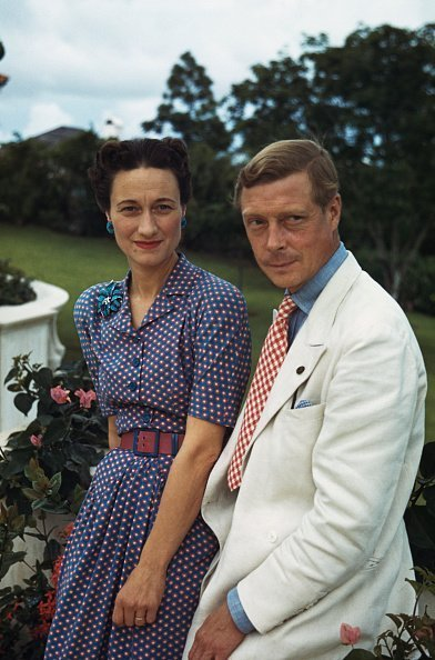 Wallis, Duchess of Windsor (1896-1986) and the Duke of Windsor (1894-1972) outside Goverment House in Nassau, the Bahamas, circa 1942 | Photo: Getty Images