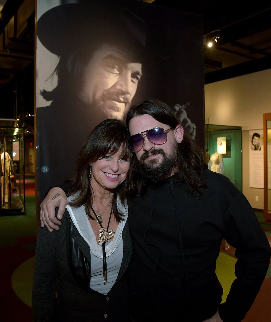 Jesse Colter and Shooter Jennings visit the Country Music Hall. | Source: Getty Images