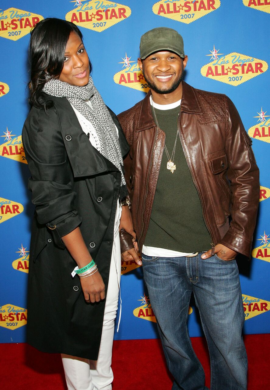 Usher (R) and his girlfriend Tameka Foster arrive at the 2007 NBA All-Star Game. | Source: Getty Images