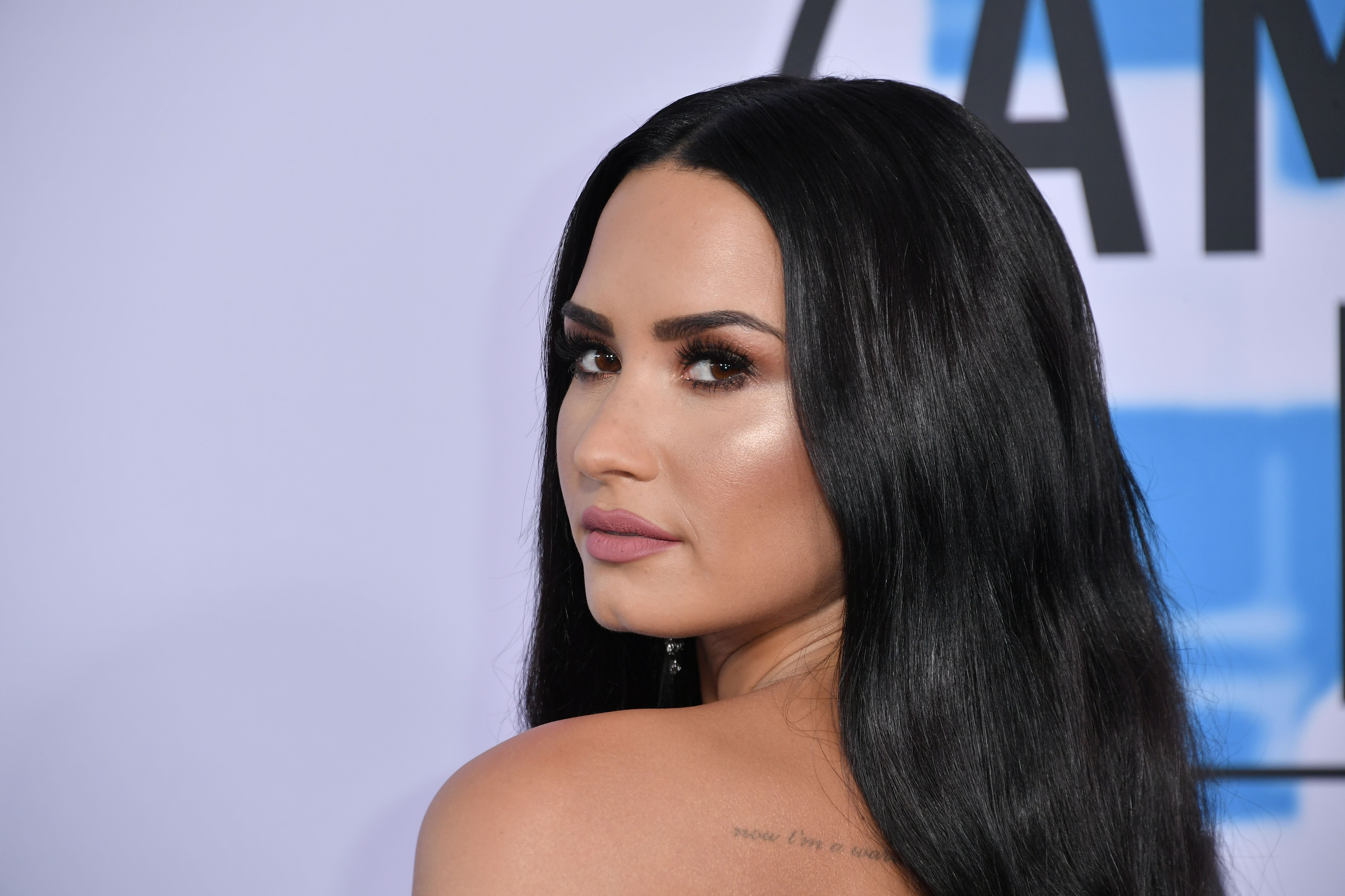 Demi Lovato at the 2017 American Music Awards  in Los Angeles | Source: Getty Images
