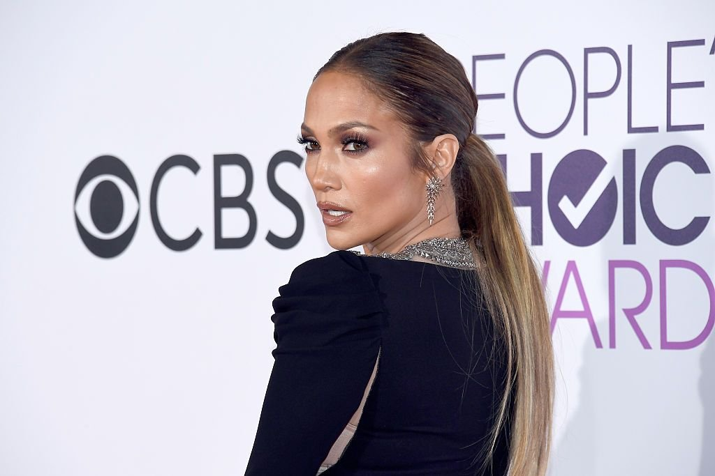 Jennifer Lopez at the People's Choice Awards 2017 at Microsoft Theater on January 18, 2017 in Los Angeles, California.   Photo: Getty Images
