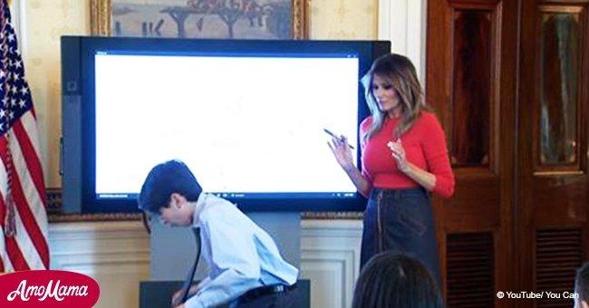 Ein Junge stößt versehentlich vor der First Lady ein Wasserglas um. Melanias Reaktion wurde gefilmt