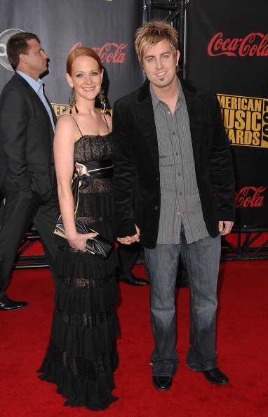 Jeremy Camp and wife Adrienne Camp at the Nokia Theatre on November 18, 2007 in Los Angeles, California. | Photo: Getty Images