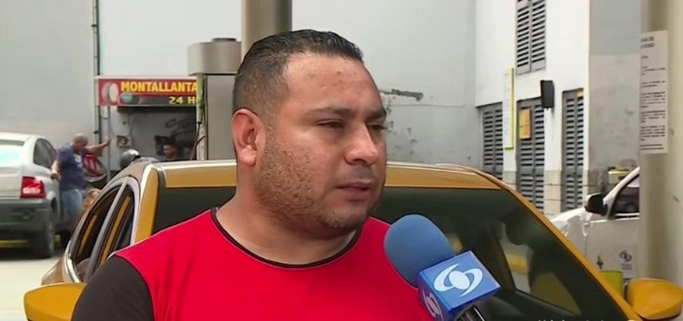 Taxista Álex Favio Marín. | Foto: YouTube / Noticias Caracol