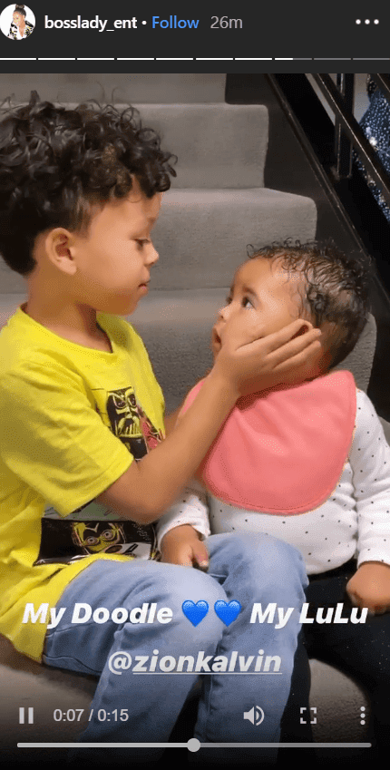Photo of Shante's grandkids playing and showing affection | Photo: Instagram /bosslady_ent