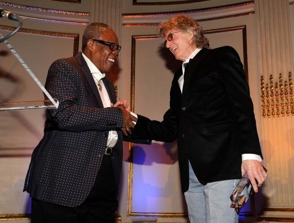 Sam Moore accepts the AMEE Lifetime Achievement Award in Sound Recordings from radio personality Don Imus at the 2010 AFTRA AMEE Awards on February 22, 2010 | Photo: Getty Images