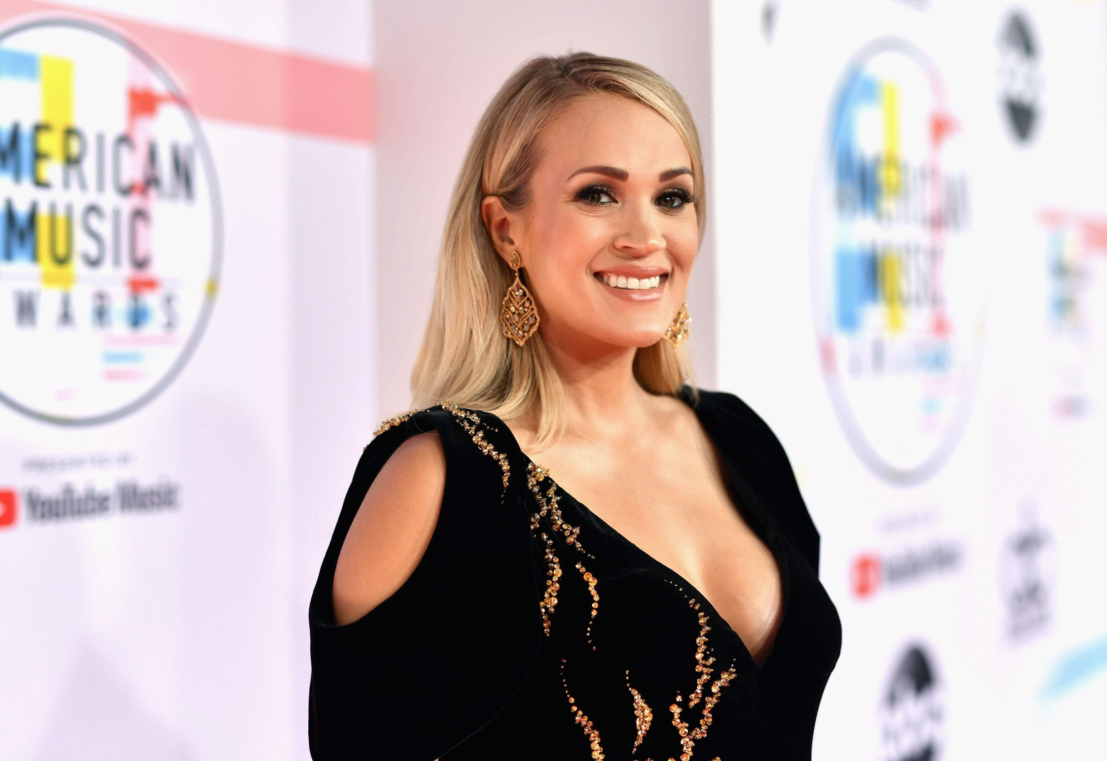 Carrie Underwood at the 2018 American Music Awards at Microsoft Theater on October 9, 2018 | Photo: Getty Images