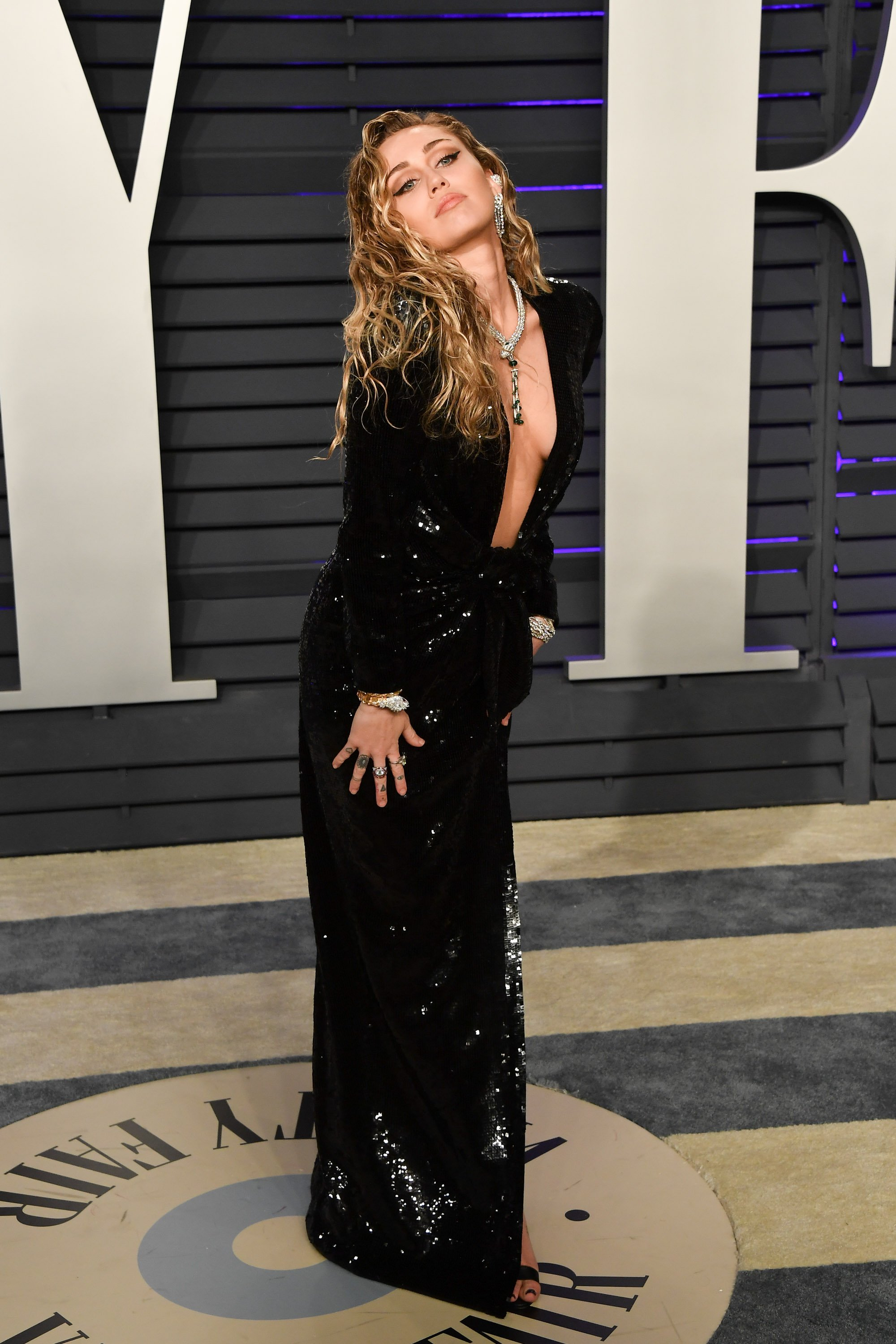 Miley Cyrus attending the Vanity Fair Oscar Party in 2019. | Photo: Getty Images