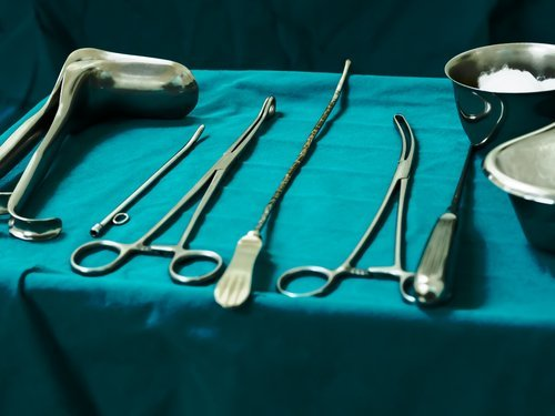 Sterile curettage tools. | Source: Shutterstock.