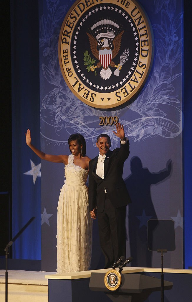 Barack and MIchelle Obama attending the Comander-in-Chief's Inaugural Ball on January 20, 2009 after Barack was sworn in as the 44th President of the United States. | Source: Getty Images