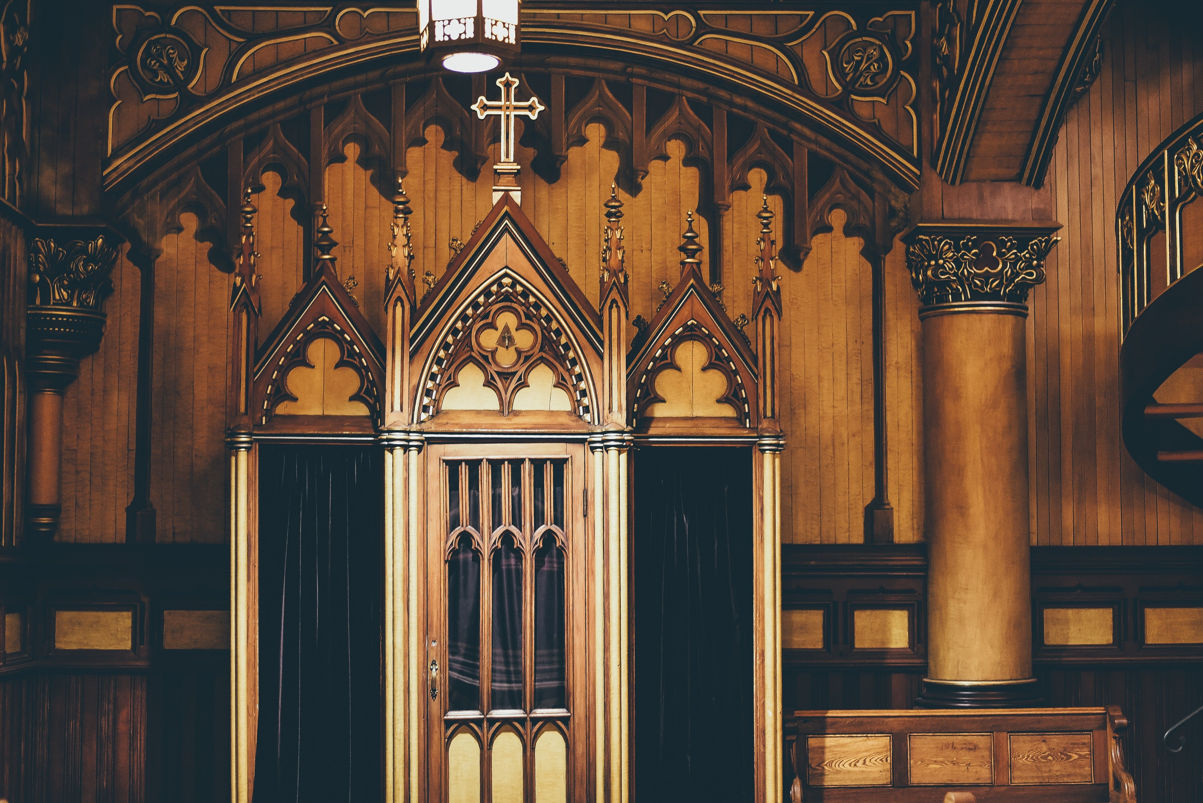 A church confessional | Source: Unsplash.com