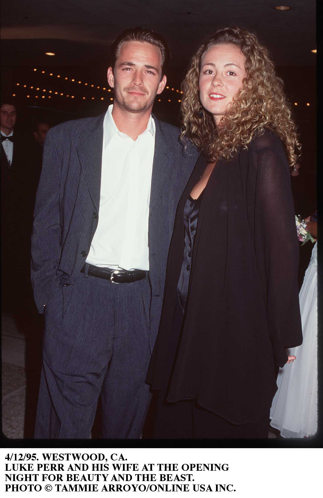 Luke Perry and wife, Rachel Minnie Sharp, 1995. Image Credit: Getty Images