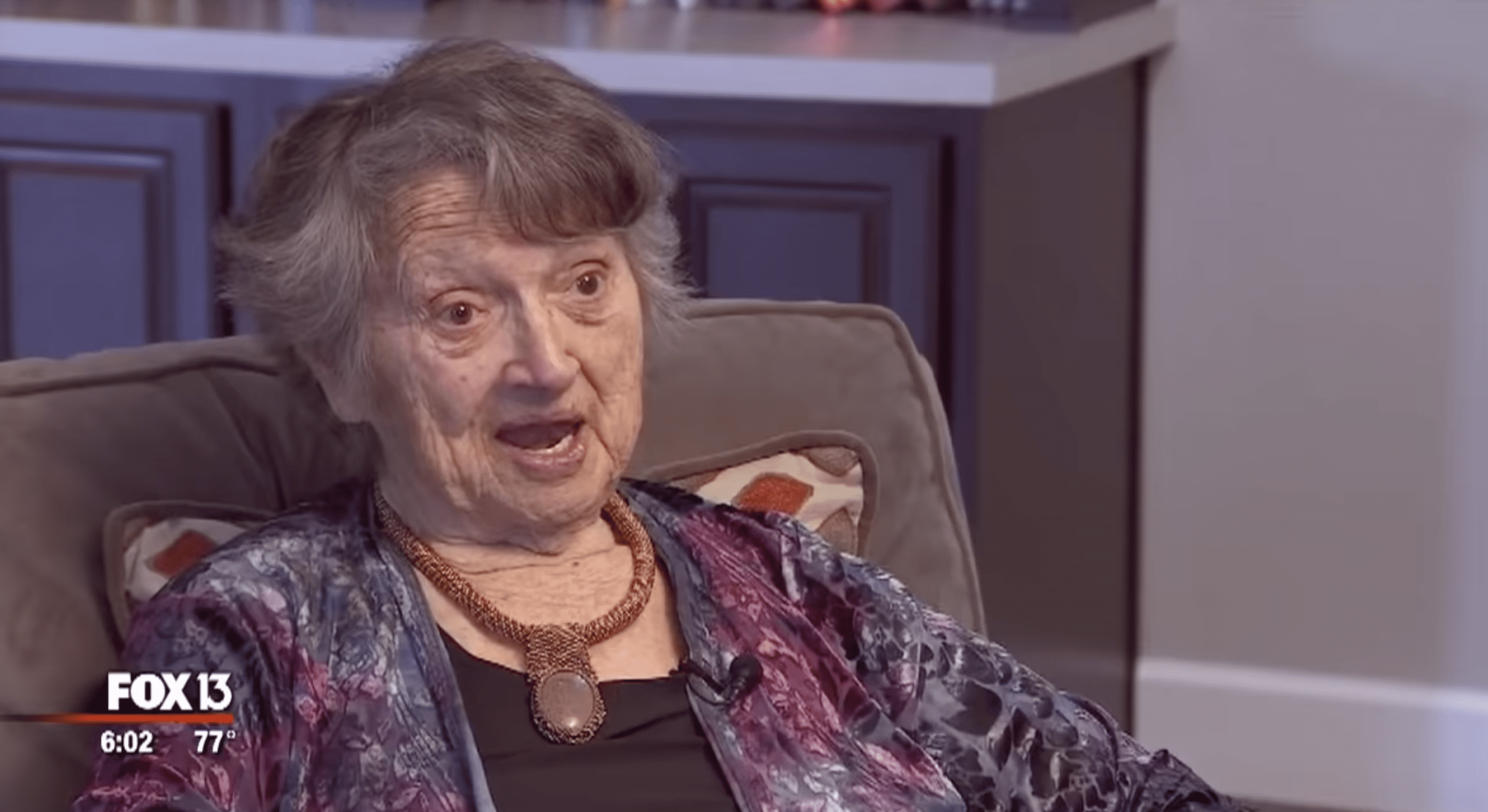 The then 88-year-old Genevieve Purinton shared how she had spent her life thinking her daughter died at birth. | Photo: youtube.com/FOX 13 Tampa Bay