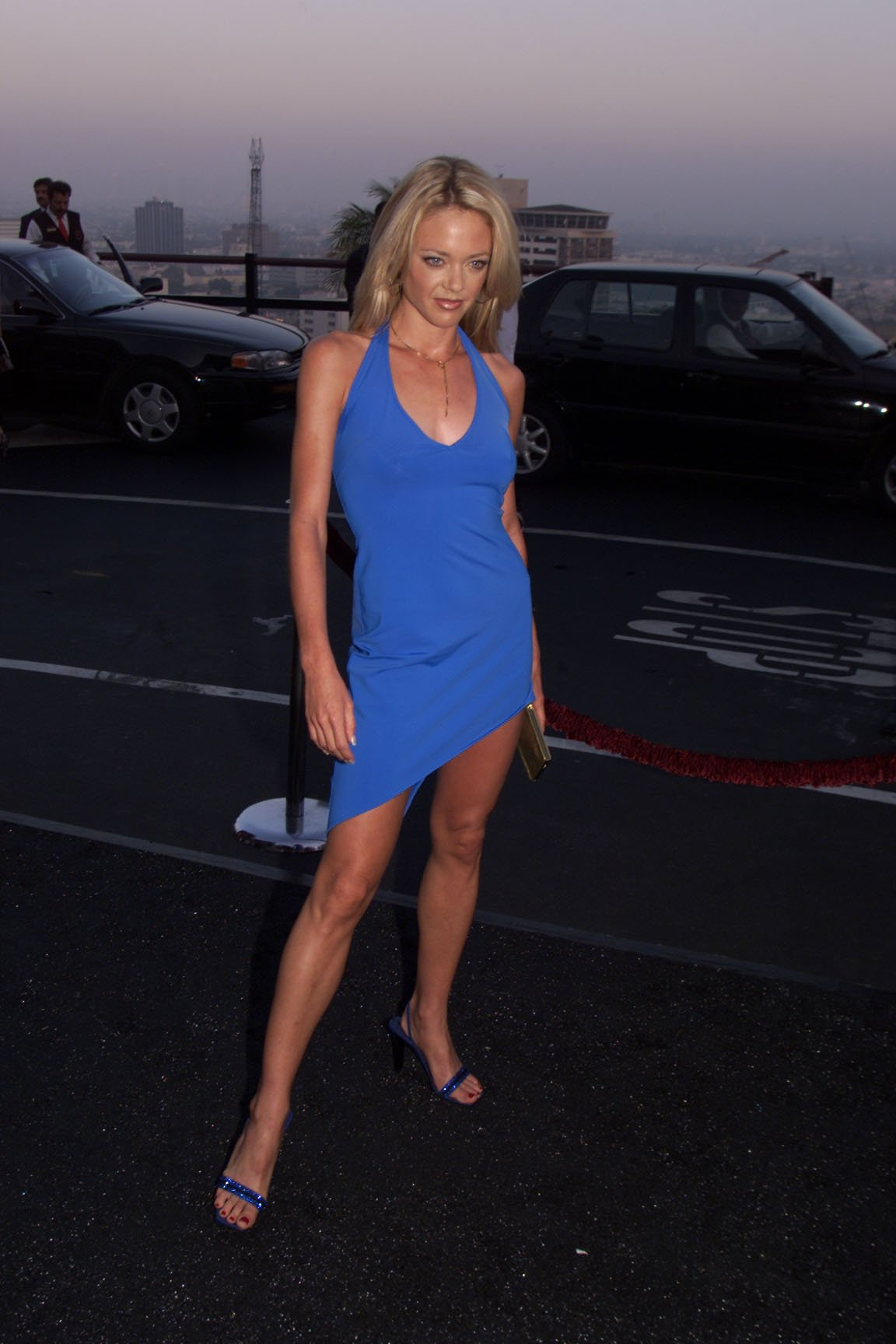 Lisa Robin Kelly of 'That '70s Show' arrives at the FOX 2000 summer press tour party in Hollywood in 2000 | Source: Getty Images