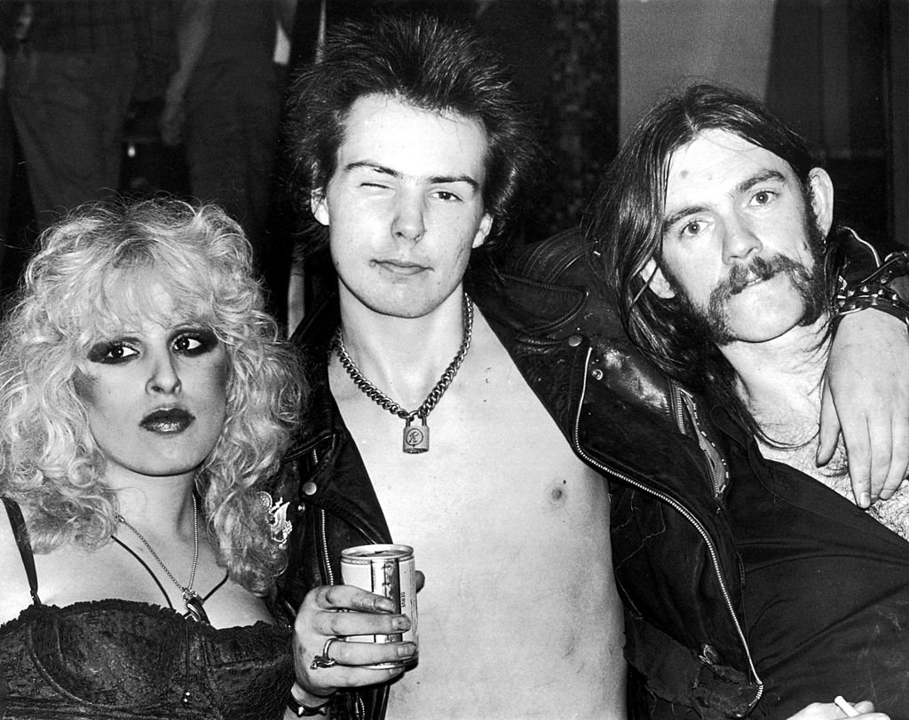 Photo of Nancy Spungen and Sid Vicious and Lemmy from Motorhead on January 1, 1970. | Photo: Getty Images