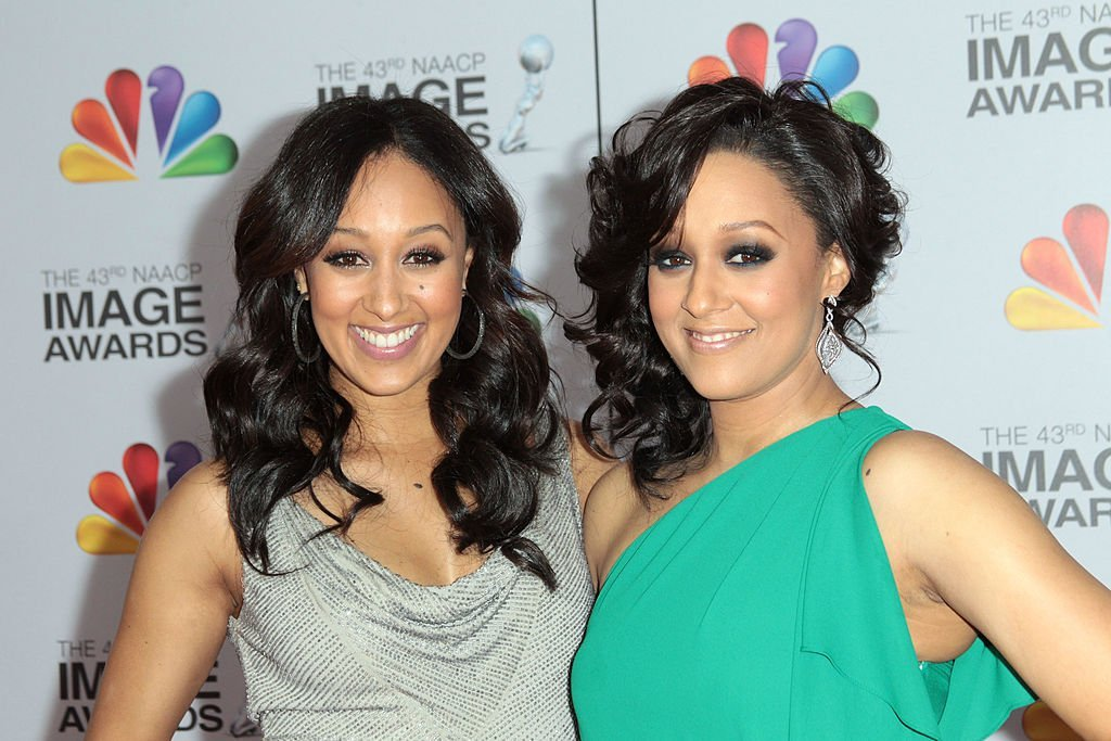 Tamera and Tia Mowry attends the 2012 NAACP Image Awards in Los Angeles, California. | Source: Getty Images