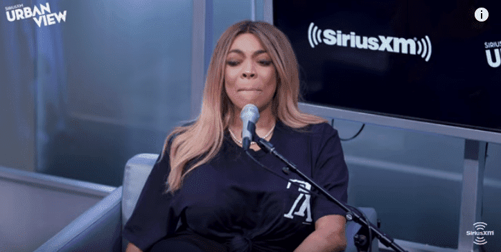 Wendy Williams taking a moment to compose herself while talking about her divorce to husband Kevin Hunter on The Karen Hunter Show | Photo: YouTube/SiriusXM