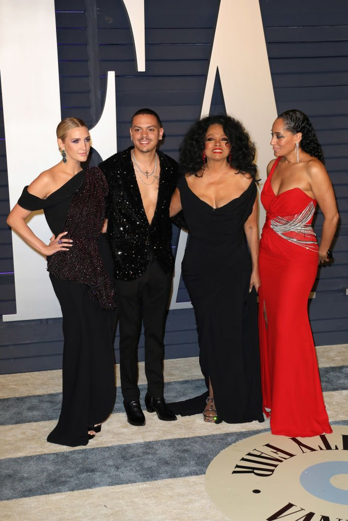Ashlee Simpson, Evan Ross, Diana Ross, and Tracee Ellis Ross attend the 2019 Vanity Fair Oscar Party on February 24, 2019 in Beverly Hills, California.|Photo: Getty Images