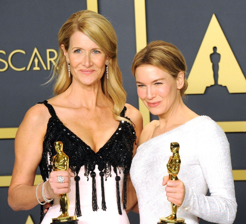 Laura Dern and Renée Zellweger pose inside The Press Room of the 92nd Annual Academy Awards held at Hollywood and Highland on February 9, 2020 | Photo: Getty Images