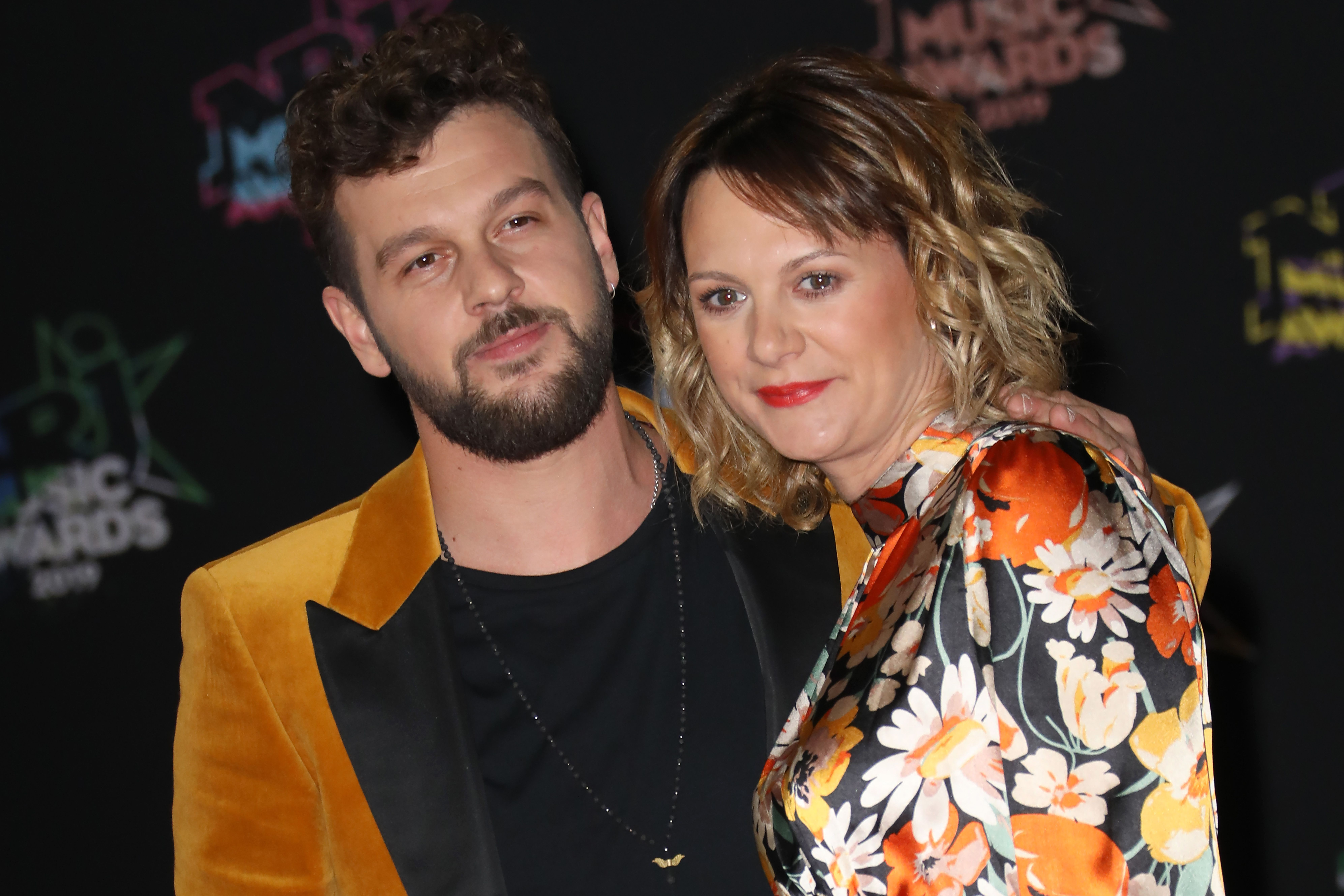 le chanteur Claudio Capeo et sa femme Aurelie Willgallis au Palais des Festivals le 09 novembre 2019 à Cannes, France. | Photo : Getty Images