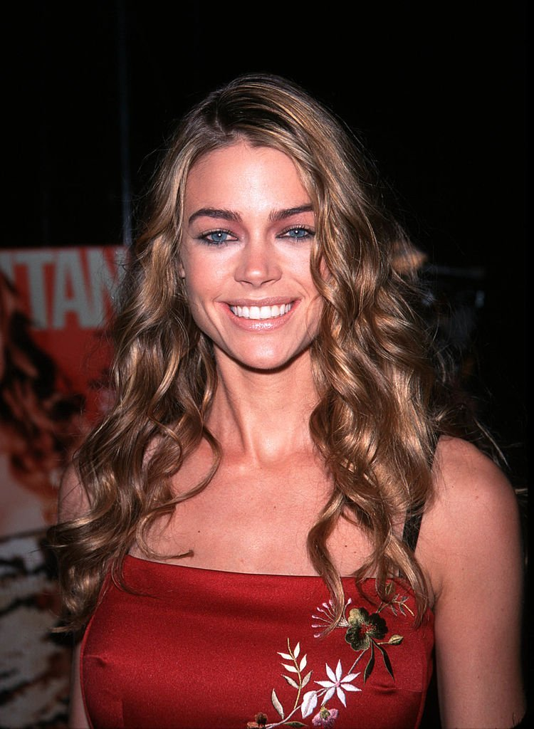 Denise Richards Arrives To Celebrate Cosmopolitan Magazines Final Issue Of The Century At The Chelsea Hotel In New York City, November 15, 1999. | Photo: GettyImages