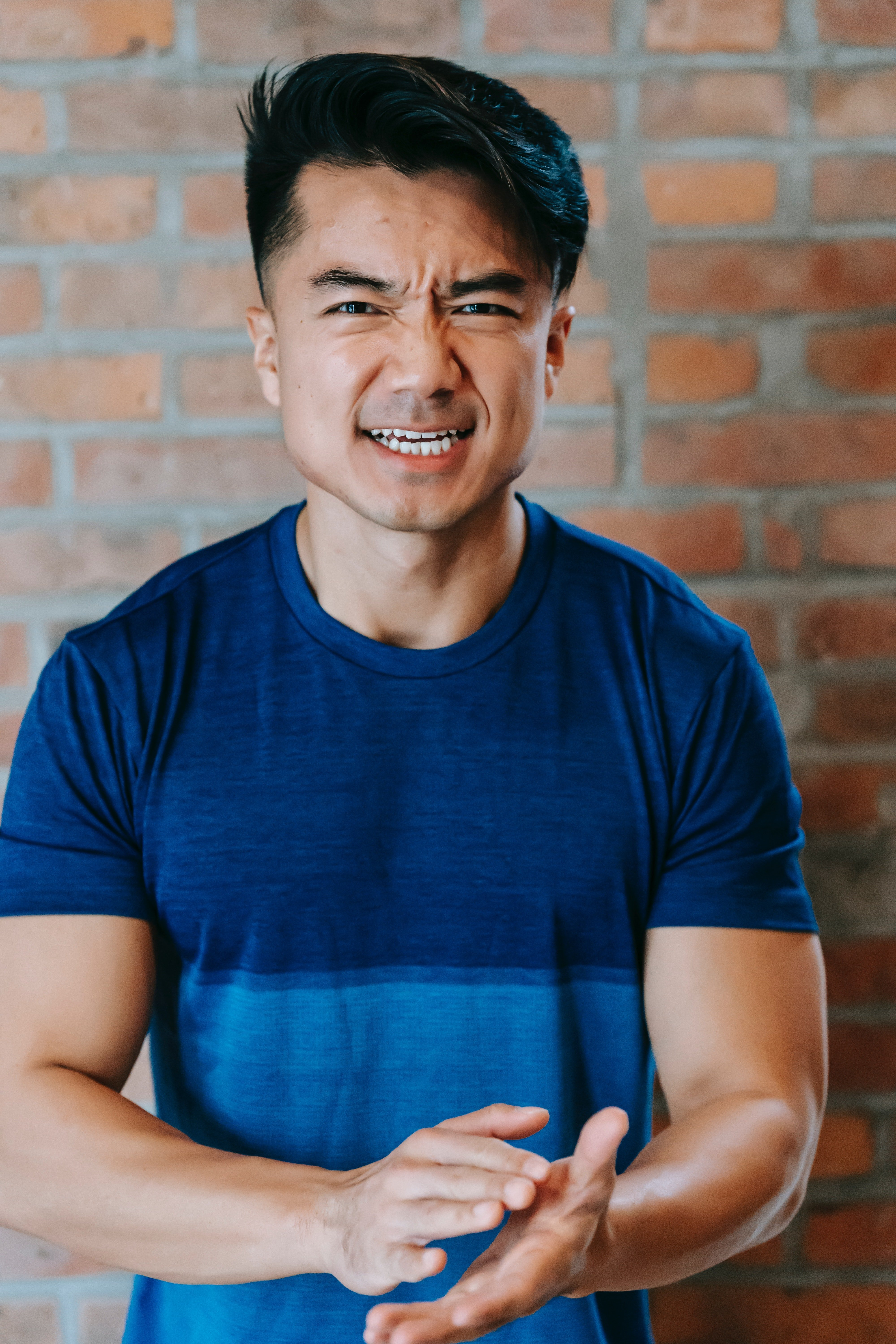 Angry man in a blue T-shirt | Photo: Pexels