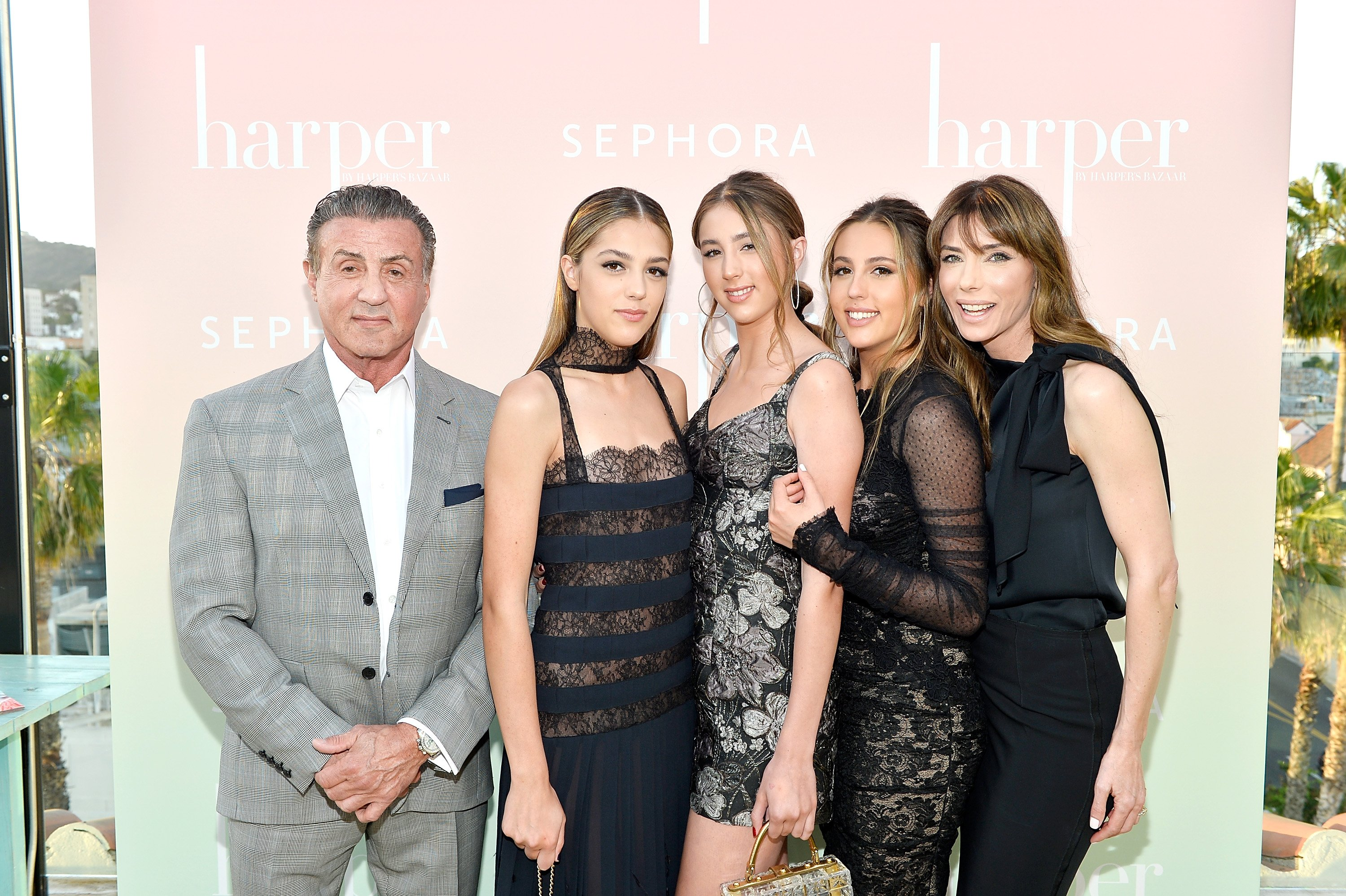 : Sylvester Stallone; Sistine Stallone; Scarlet Stallone; Sophia Stallone and Jennifer Flavin Stallone harper x Harper's BAZAAR May Issue | Photo: Getty Images