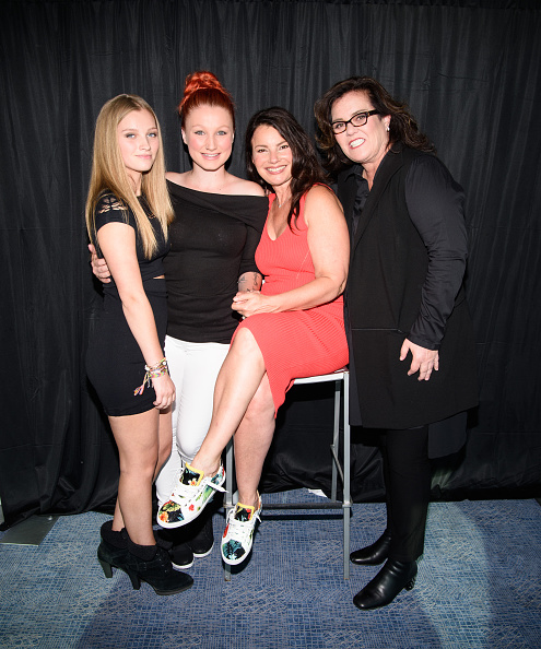 Chelsea Belle O'Donnell, Vivienne Rose O'Donnell, Fran Drescher and Rosie O'Donnell at the Fran Drescher's 2016 Cabaret Cruise at Pier 40 | Photo: Getty Images