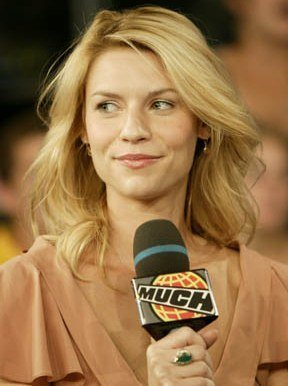 Claire Danes at MuchMusic, for the program MuchOnDemand. | Source: Wikimedia Commons