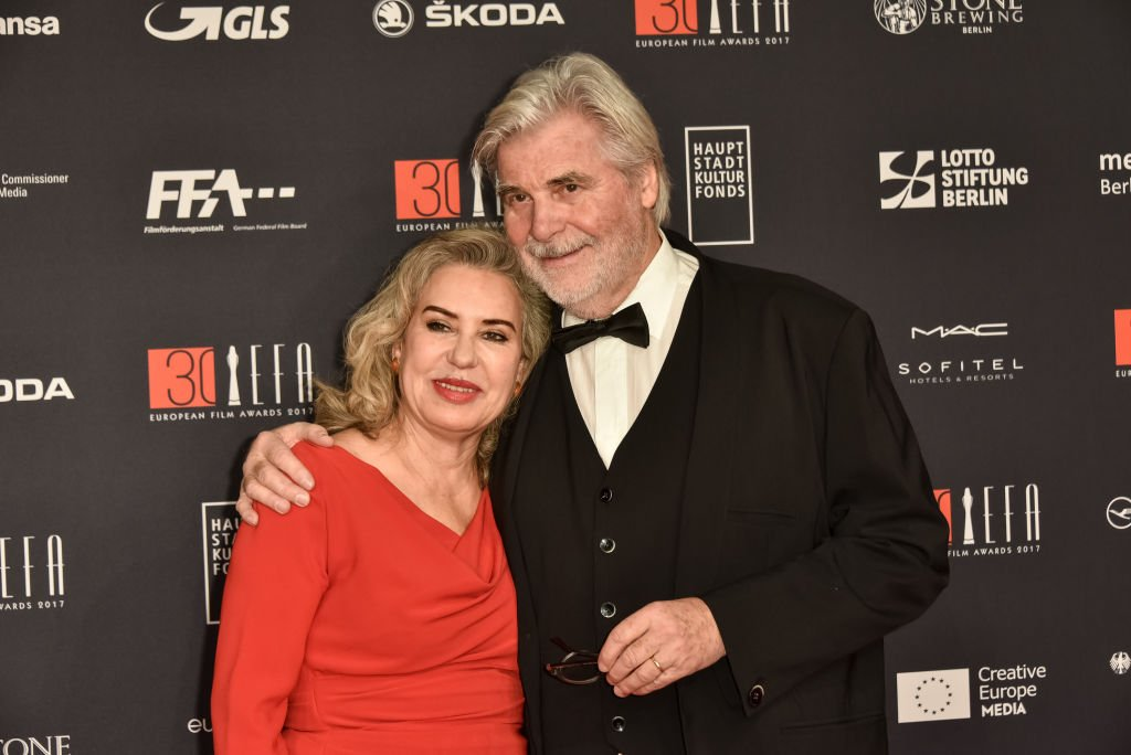 Peter Simonischek und seine Frau Brigitte Karner nehmen am 9. Dezember 2017 an den European Film Awards 2017 in Berlin teil. (Foto von Tristar Media / WireImage) I Quelle: Getty Images