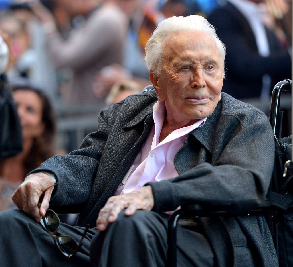 Kirk Douglas attends the Hollywood Walk of Fame Ceremony Honoring Michael Douglas on Hollywood Boulevard | Photo: Getty Images