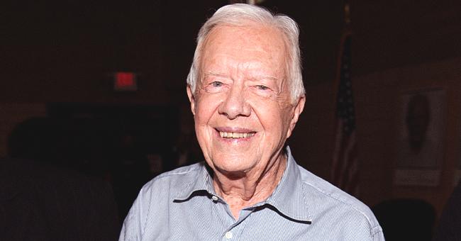 Le président Jimmy Carter va aider à la construire des maisons malgré son opération de la hanche