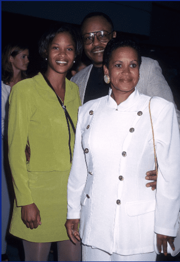 """Actor Roger E. Mosley, longtime girlfriend Toni Laudermick and daughter attend the """"Hoodlum"""" Los Angeles Premiere on August 25, 1997   Photo: Getty Images"""