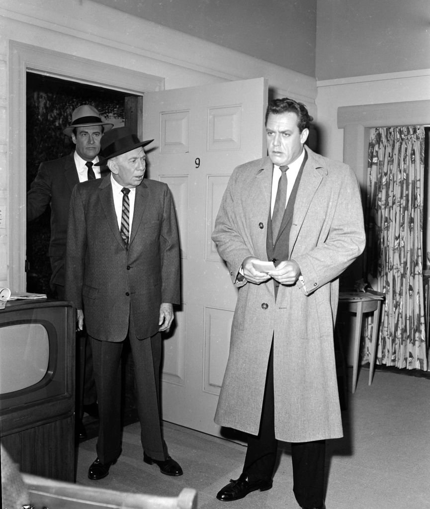 """Raymond Burr as Perry Mason, Ray Collins as Lt. Arthur Tragg and William Talman as District Attorney Hamilton Burger in the CBS television series """"Perry Mason,"""" on January 13, 1960. 