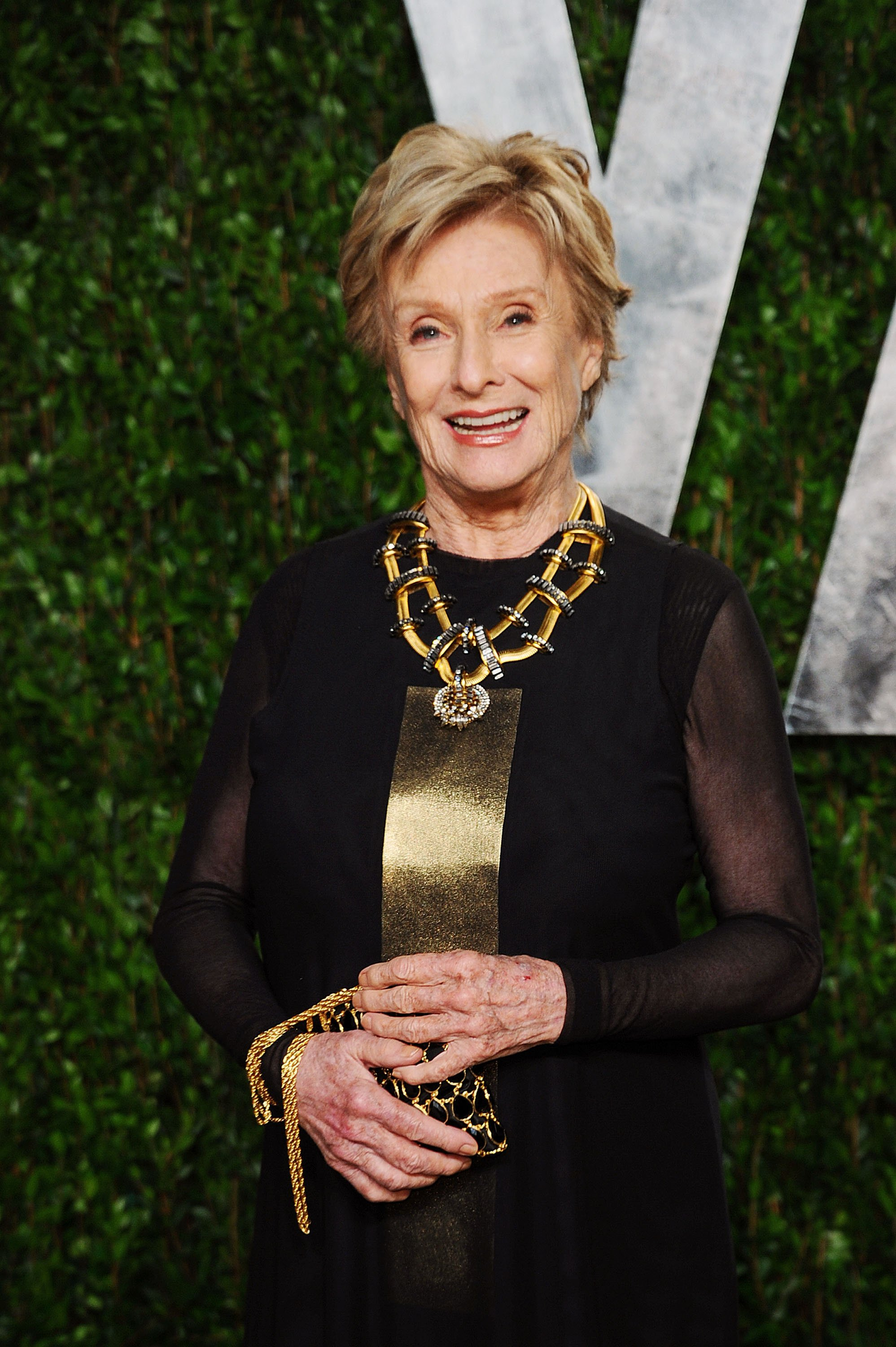 Cloris Leachman arrives at the 2012 Vanity Fair Oscar Party at Sunset Tower on February 26, 2012 in West Hollywood, California | Photo: Getty Images
