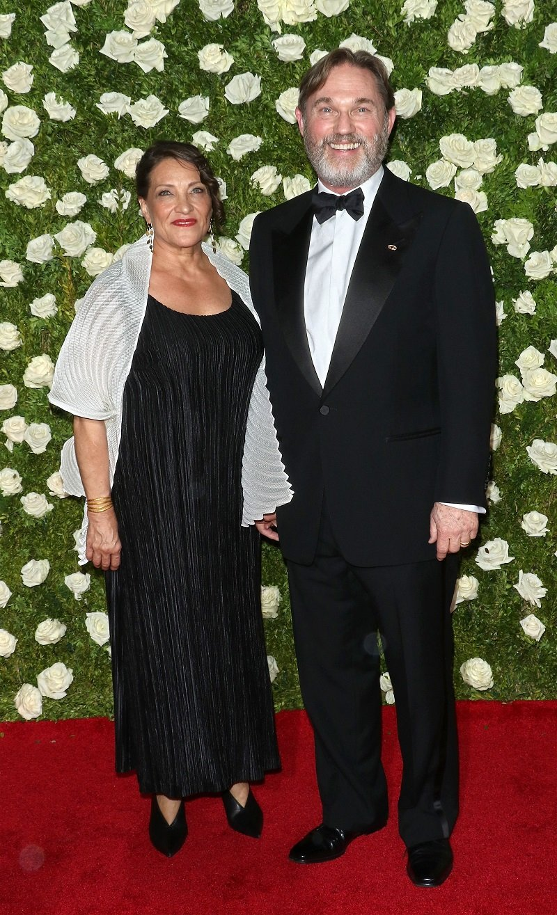 Georgiana Bischoff and Richard Thomas attending the 71st Annual Tony Awards at Radio City Music Hall in New York City in June 2017. | Image: Getty Images.