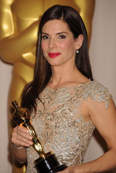 Actress Sandra Bullock and winner Best Actress award for 'The Blind Side' poses in the press room at the 82nd Annual Academy Awards | Photo: Getty Images
