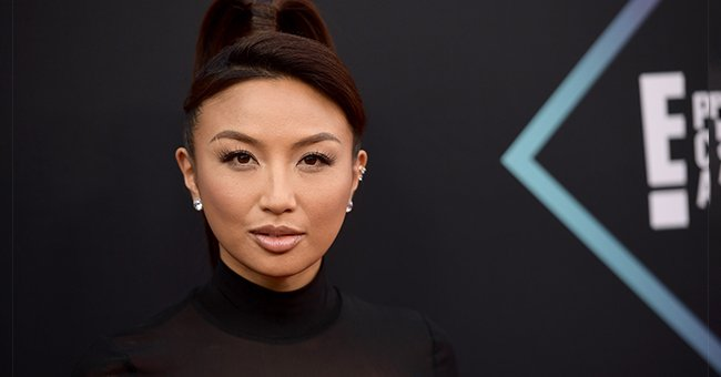 Jeannie Mai attends the People's Choice Awards 2018 at Barker Hangar on November 11, 2018 in Santa Monica, California | Photo: Getty Images