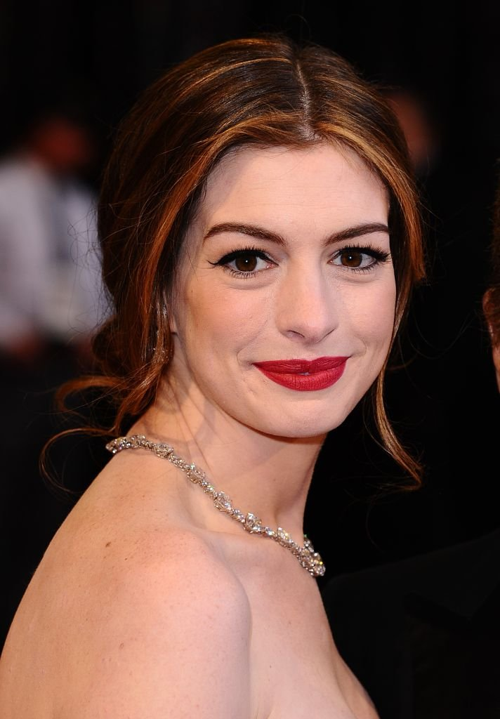 Anne Hathaway arriving for the 83rd Academy Awards on February 27, 2011. | Source: Getty Images.