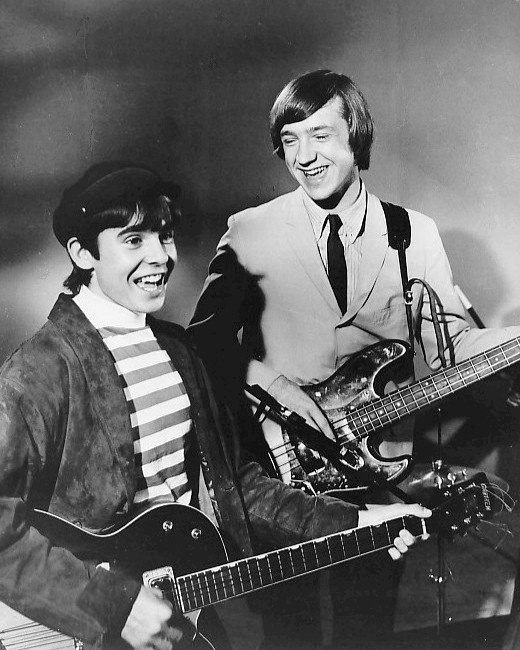 Davy Jones and Peter Tork from the first episode of The Monkees | Photo: GettyImages