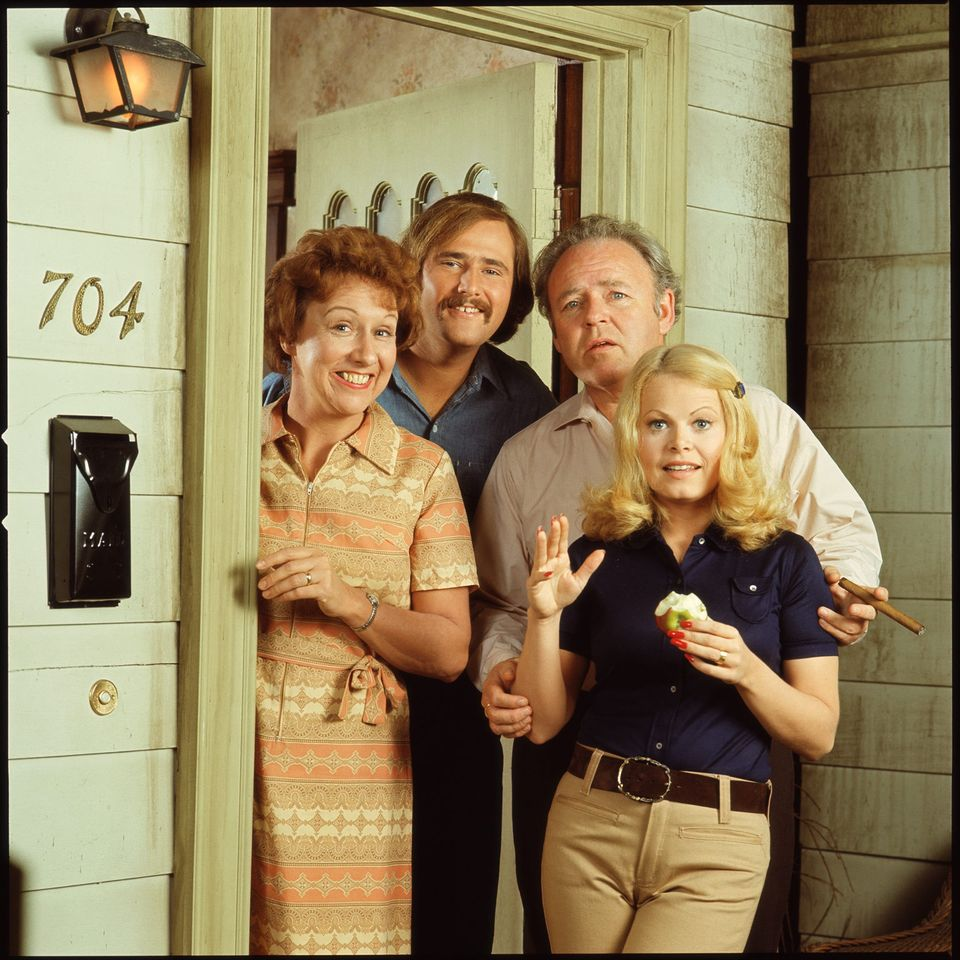 Jean Stapleton, Rob Reiner, Carroll O'Connor (1924 - 2001), and Sally Struthers' promotional still shows the cast from the American television show 'All in the Family,' Los Angeles, California, early 1970s. | Source: Getty Images