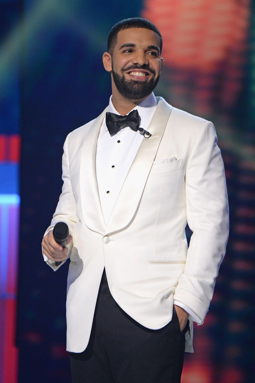 Drake hosts the 2017 NBA Awards Live on TNT on June 26, 2017 in New York, New York.   Source: Getty Images