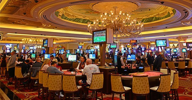 Photo of the interior of a casino | Photo: Shutterstock.com
