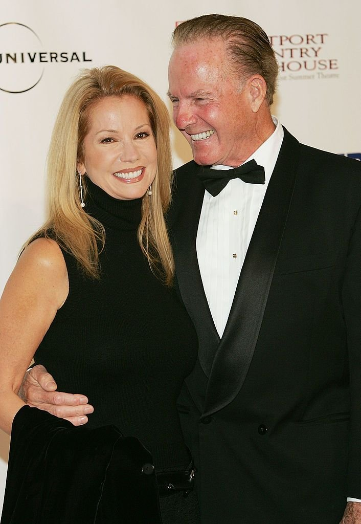 Frank Gifford and Kathie Lee Gifford at the Westport Country Playhouse benefit dinner at The Hyatt Regency on October 14, 2004 | Photo: Getty Images