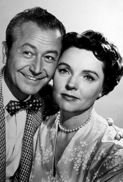 Publicity photo of Jane Wyatt and Robert Young. | Source: Wikimedia Commons